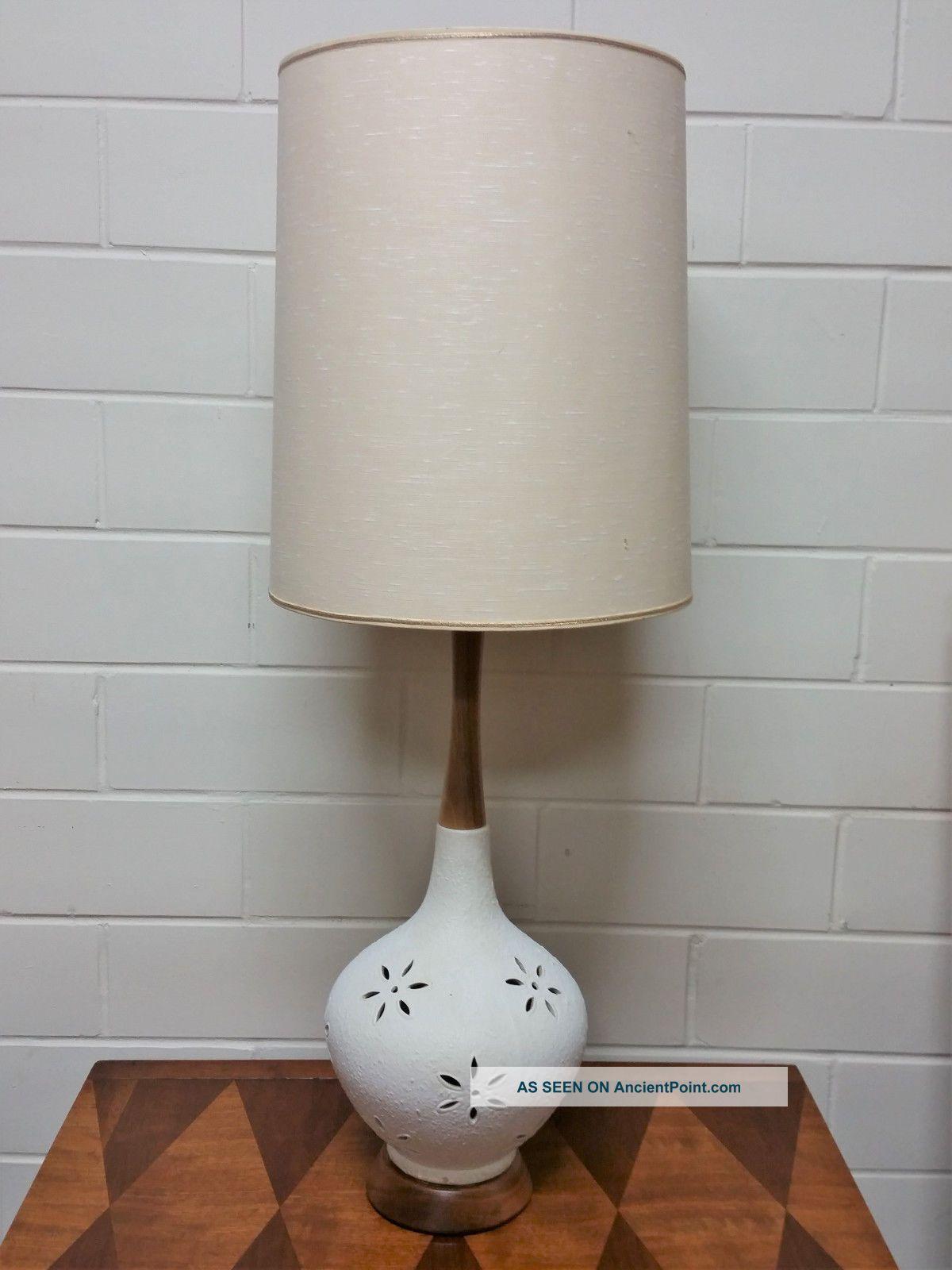 Vintage Mid Century Modern Table Lamp Ceramic Danish Retro White