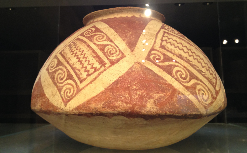 Hohokam red on buff pottery