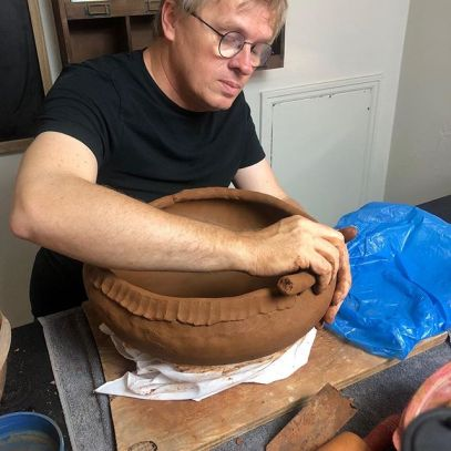 coiling a large olla