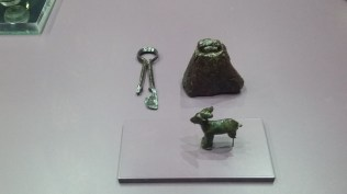 Small artefacts linked to the rearing of milk-giving animals. I particularly like the bell - very Swiss. Roman Museum of Nyon