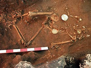 although the bodies had been carefully placed in their graves 3,000 years ago…  The skulls of 70 people were missing!