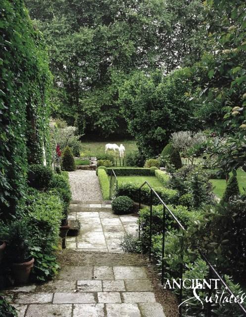 garden-6-799x1024