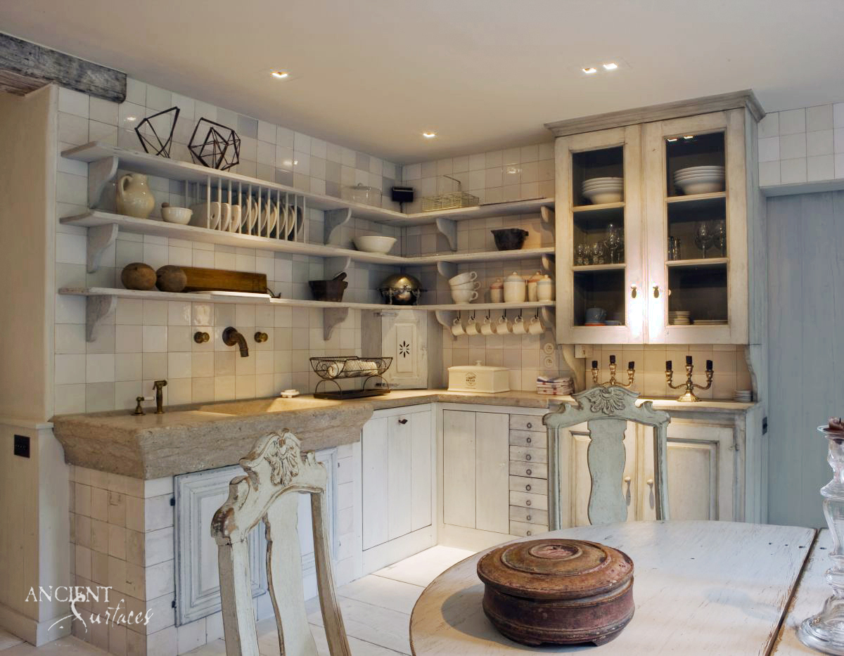 Who Would Have Thought Old World 15 Kitchen Designs That Stand The Test Of Time Ancient Surfaces Purveyor Of Premium Antique Limestone