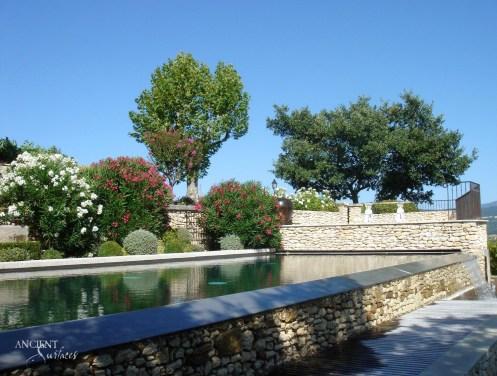 p11_a39-un-mas-provencal-en-pierre-copy