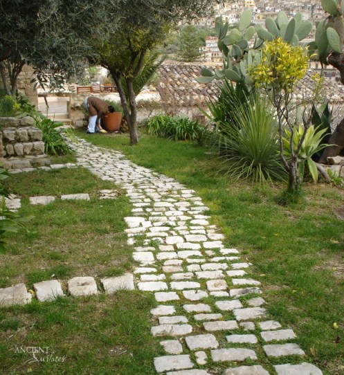 ROMAN COBBLES-WITH GRASS