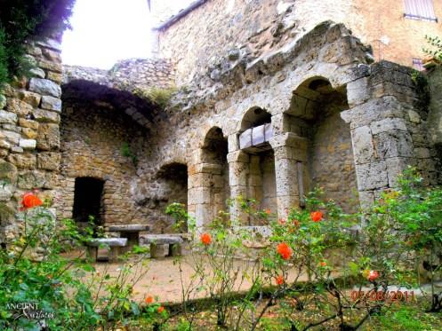 village-pierre-provence