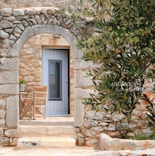 Limestone Entryway Wall Cladding American Farmhouse
