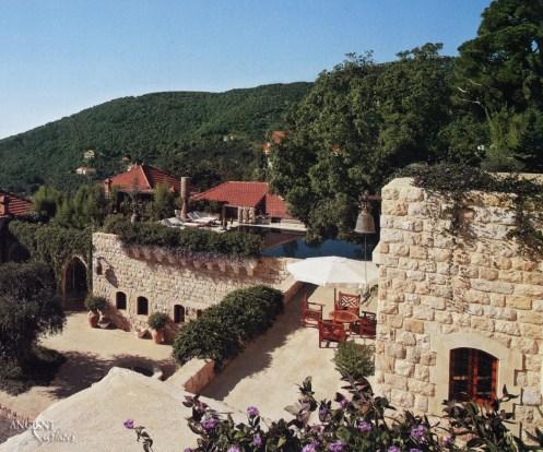 outdoor-limestone-wall-cladding-garden-provence