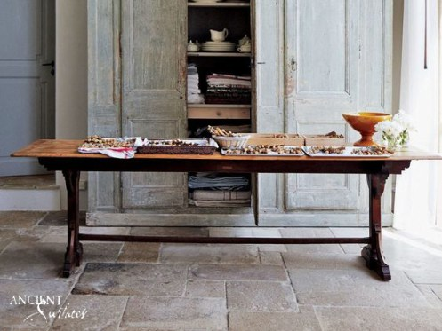 french-provencial-farmhouse-with-limestone-floors