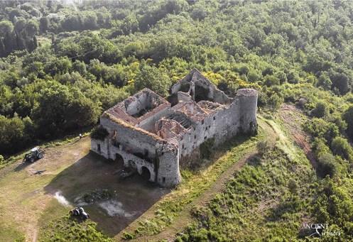 restoration-of-a-villa-in-italy