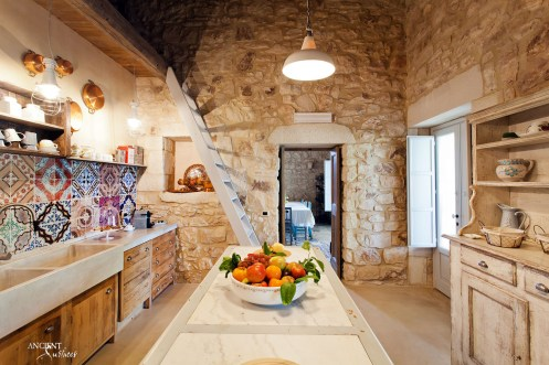 kitchen-provence-style-limestone-basin-wooden-countertop
