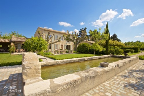 limestone-wall-cladding-farmhouse-provence-villa-floor-stone