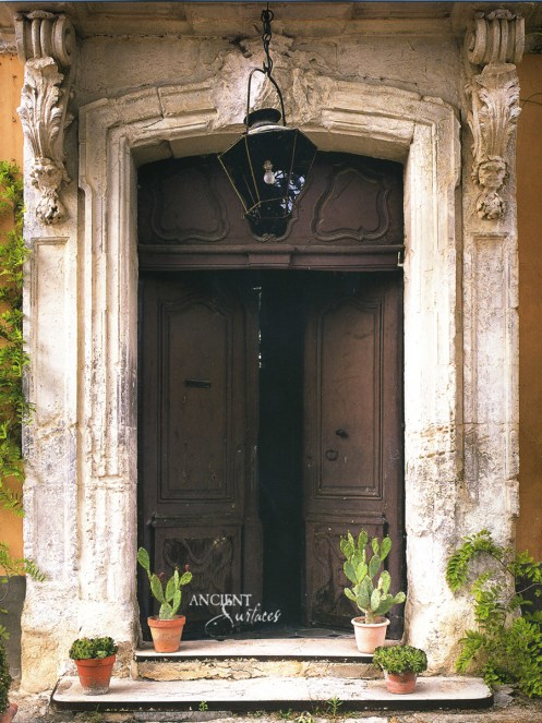antique-limestone-entryway
