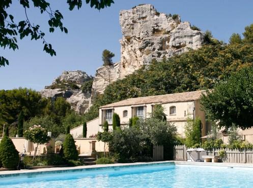 Hotel-luxe-Baumaniere-Antique-Limestonejpg