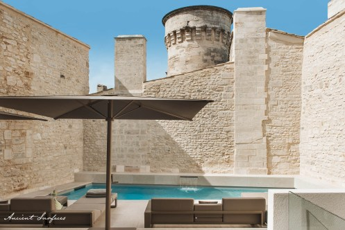 french-farmhouse-ancient-surfaces-outdoor-courtyard-with-limestone-wall-cladding-stone-floori