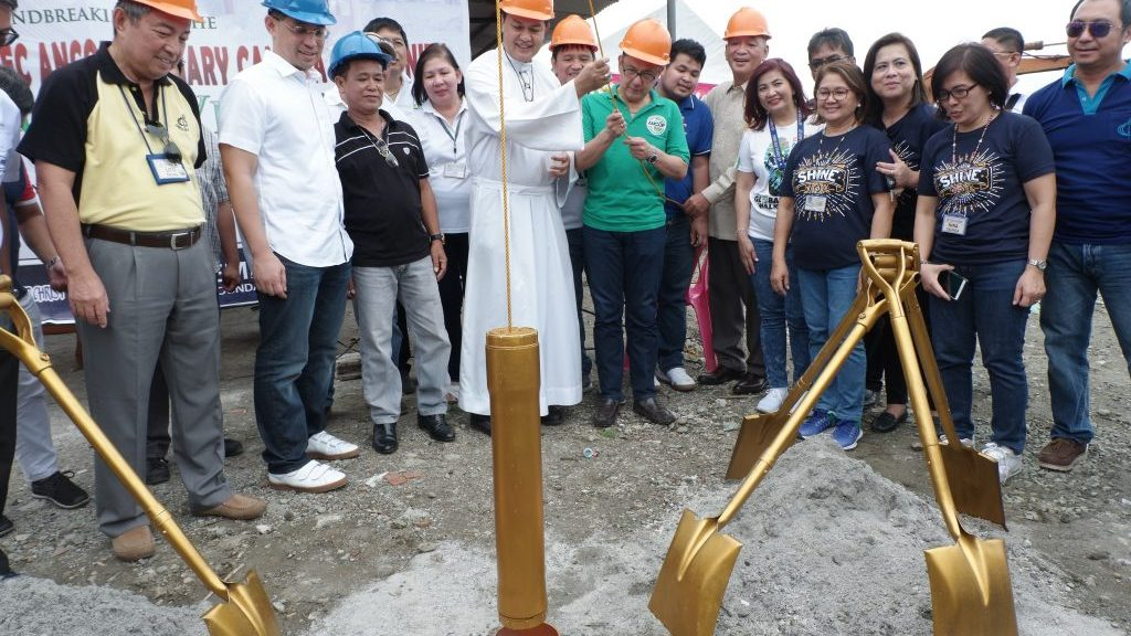 It was concluded by a ceremonial lowering of time capsule led by Bishop Ambo and Ricky Cuenca.