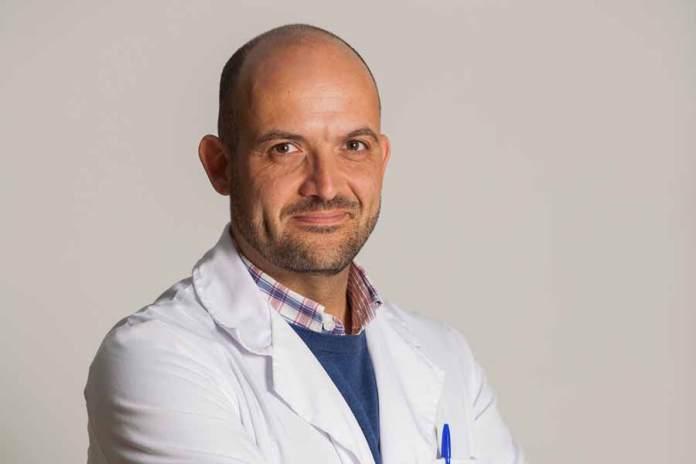Dr Manuel Vides Hospiten Estepona