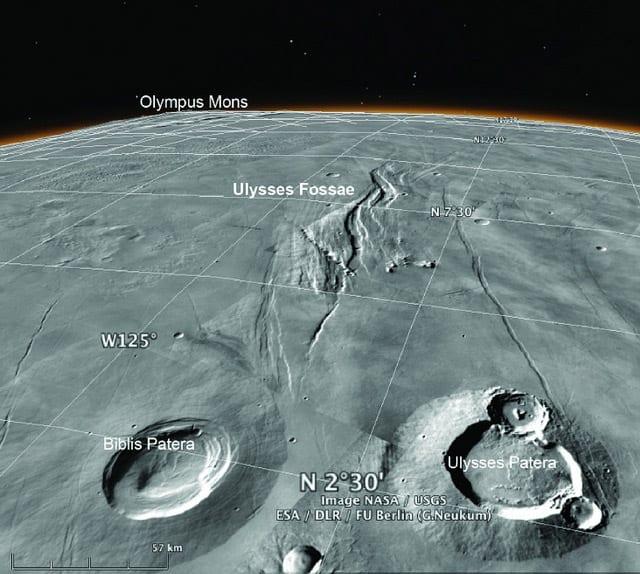 Vista oblicua de la superficie marciana de Ulysses Fossae