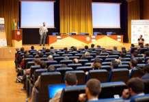 CONGRESOADMIN.Asistentes escuchan una de las ponencias de Sec Admin