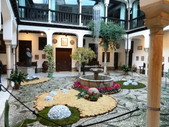 Casa-pisa_Andalusia_cortile