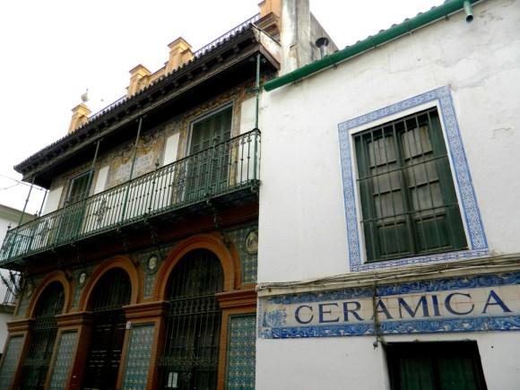 Fabbriche abbandonate nella calle Alfarería di Triana.