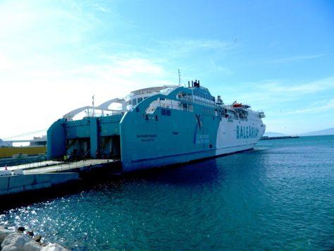 traghetto stretto marocco carica