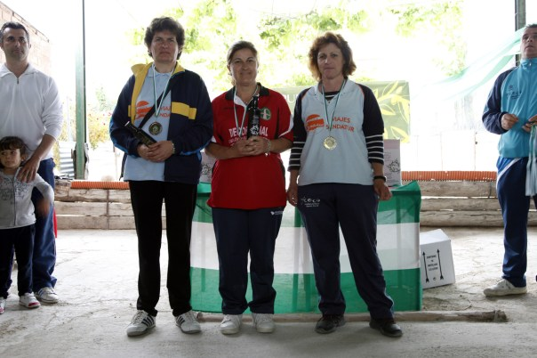 podium femenino campeonato andalucia bolo andaluz montaña 2013 foto familia