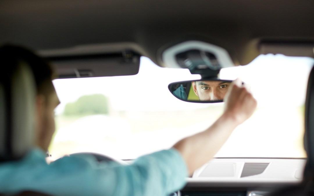 Día Mundial de las víctimas del tráfico y seguridad Vial: Elementos imprescindibles que te pueden sacar de un apuro en carretera