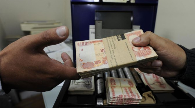 Ramos advierte a los Bancos que si cobran interés sobre interés cometerán un delito