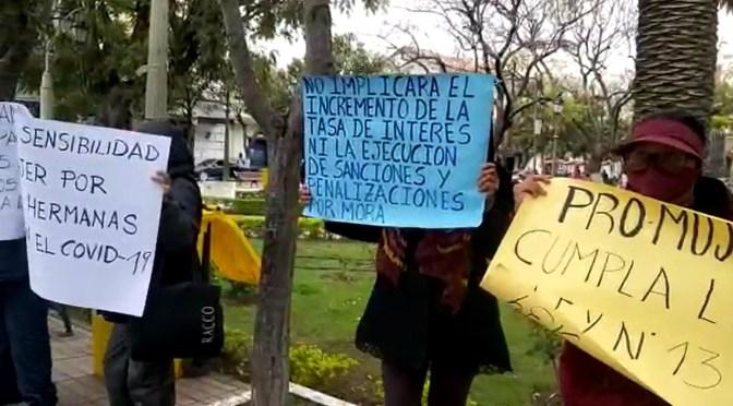 Denuncian que entidades financieras de Tarija continúan cobrando créditos