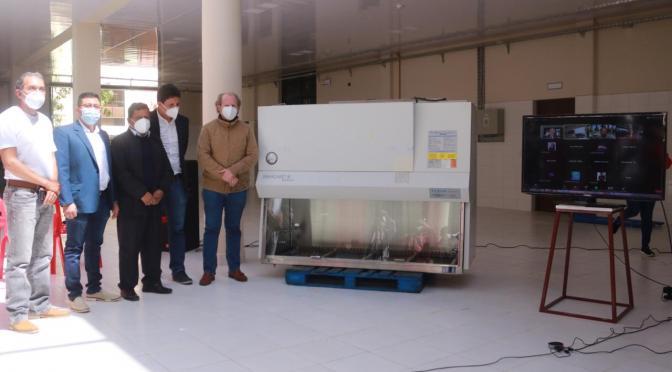 Instalan en la UAJMS un segundo laboratorio para Tarija que procesará pruebas de covid 19