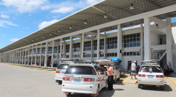 Minivans reanudan viajes interprovinciales a partir del lunes