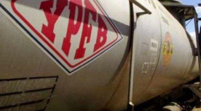 Asambleísta denuncia privatización simulada en YPFB