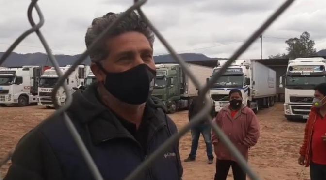 Camioneros en la frontera denuncian encierro y maltrato