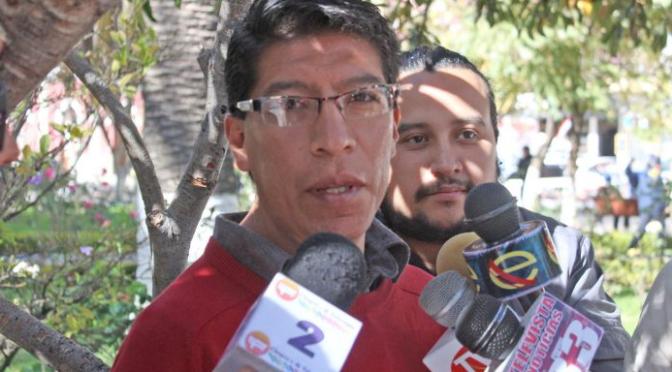 Arana no descarta con iniciar una huelga en apoyo a médicos con sueldos impagos
