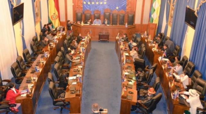 MAS acepta tratar proyecto de senador Rodríguez para devolución de AFPs