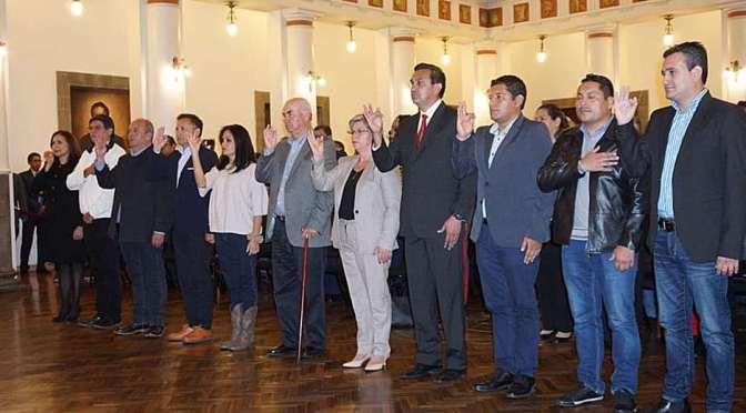 Áñez posesionó a 36 ministros en 10 meses