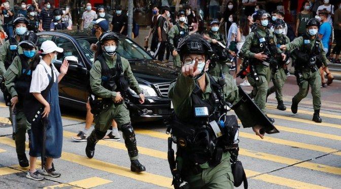 Represión en Hong Kong: Se detuvo a más de 90 manifestantes que reclamaban contra el aplazamiento de las elecciones