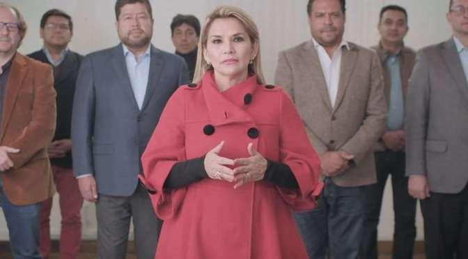 Jeanine Áñez retira su candidatura a la presidencia para intentar evitar una victoria del MAS