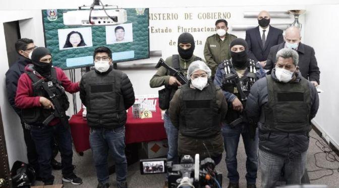 Gobierno presenta a 3 detenidos «financiados por Evo» que llevaban dinamita y dinero