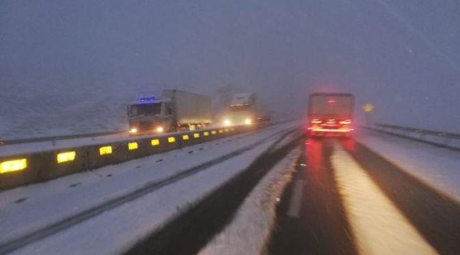 Suspenden viajes entre Oruro y Cochabamba por la nevada