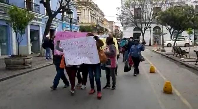 Mujeres de la organización Juana Azurduy marchan y exigen la reapertura del PEUP