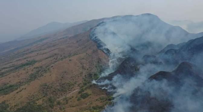 Alerta en Villa Montes por cercanía del pozo petrolero Caigua a la zona de incendio