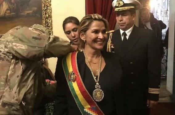 Calani: Bancada paceña del MAS tiene lista la demanda de juicio contra Jeanine Añez