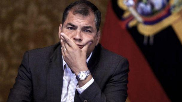 Ecuador solicita a Interpol el arresto del expresidente Rafael Correa