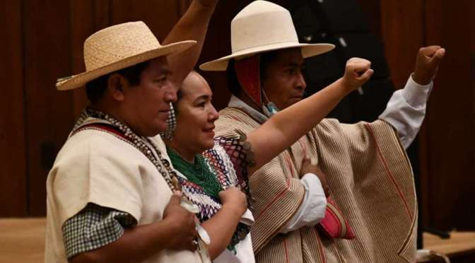 Inicia el proceso de transición de mando en el país; legisladores titulares reciben sus credenciales