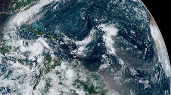 El huracán Delta alcanza la categoría 4 en su trayectoria hacia México