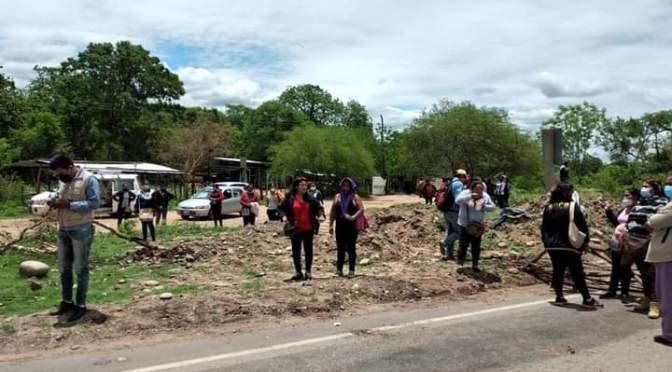 Villa Montes: Padres de familia ingresan en bloqueo indefinido en la ruta 9