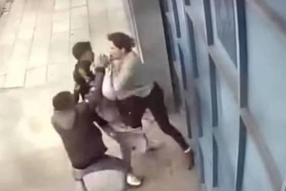 Motochorros le roban un celular a una joven, sucedió en el barrio Senac