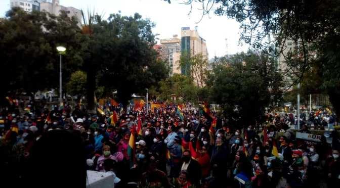 """Carlos Macusaya: """"Buena parte del antimasismo se caracteriza por su desprecio a los indios"""""""
